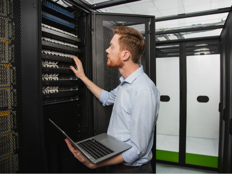 Laissez nos experts prendre en charge l'ensemble des infrastructures informatiques de votre entreprise afin de concentrer vos efforts sur ce qui compte vraiment pour votre entreprise.