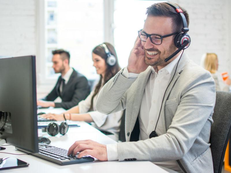 Nos spécialistes sont formés spécialement pour faire face à tous les types de problèmes informatiques